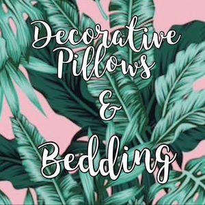 Decorative Pillows & Bedding